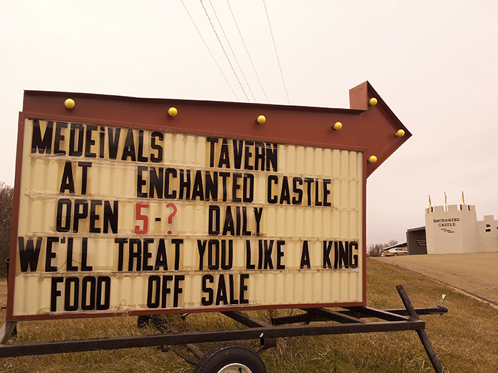 EnchantedHighway_castle_sign
